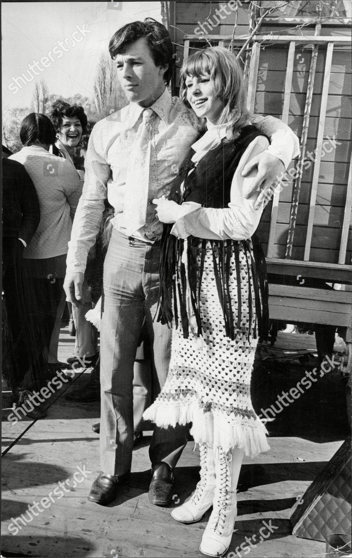 Gypsy Wedding 16yo Linda Lee 20yo Tim Editorial Stock Photo