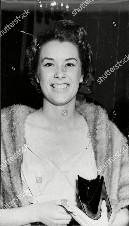 photo Sally Ann Howes (born 1930)