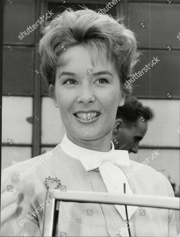 Sally Ann Howes (born 1930)