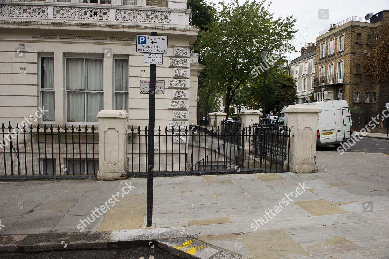 Notting Hill Ladbroke Grove ladbroke grove london w10 scene stabbing during editorial
