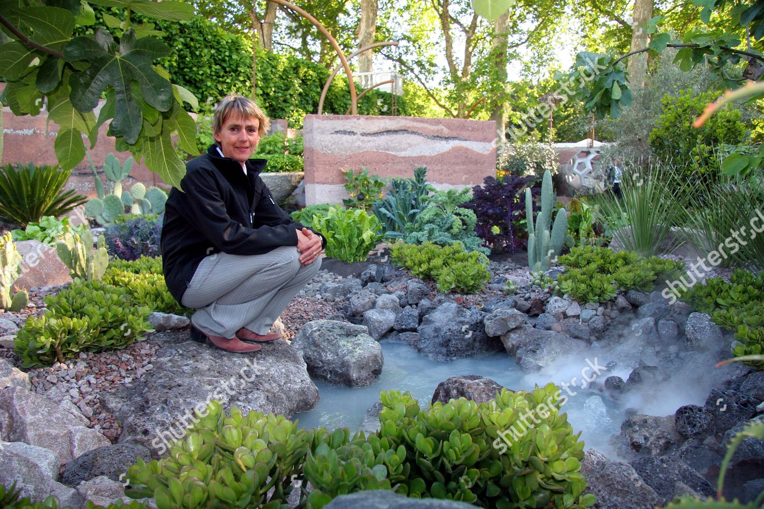 ... Sarah Eberley Wins Best In Show Garden At The Chelsea Flower  Show.....with The 600 Days With Bradstone Which Represents An Astronautu0027s Garden  On Mars.