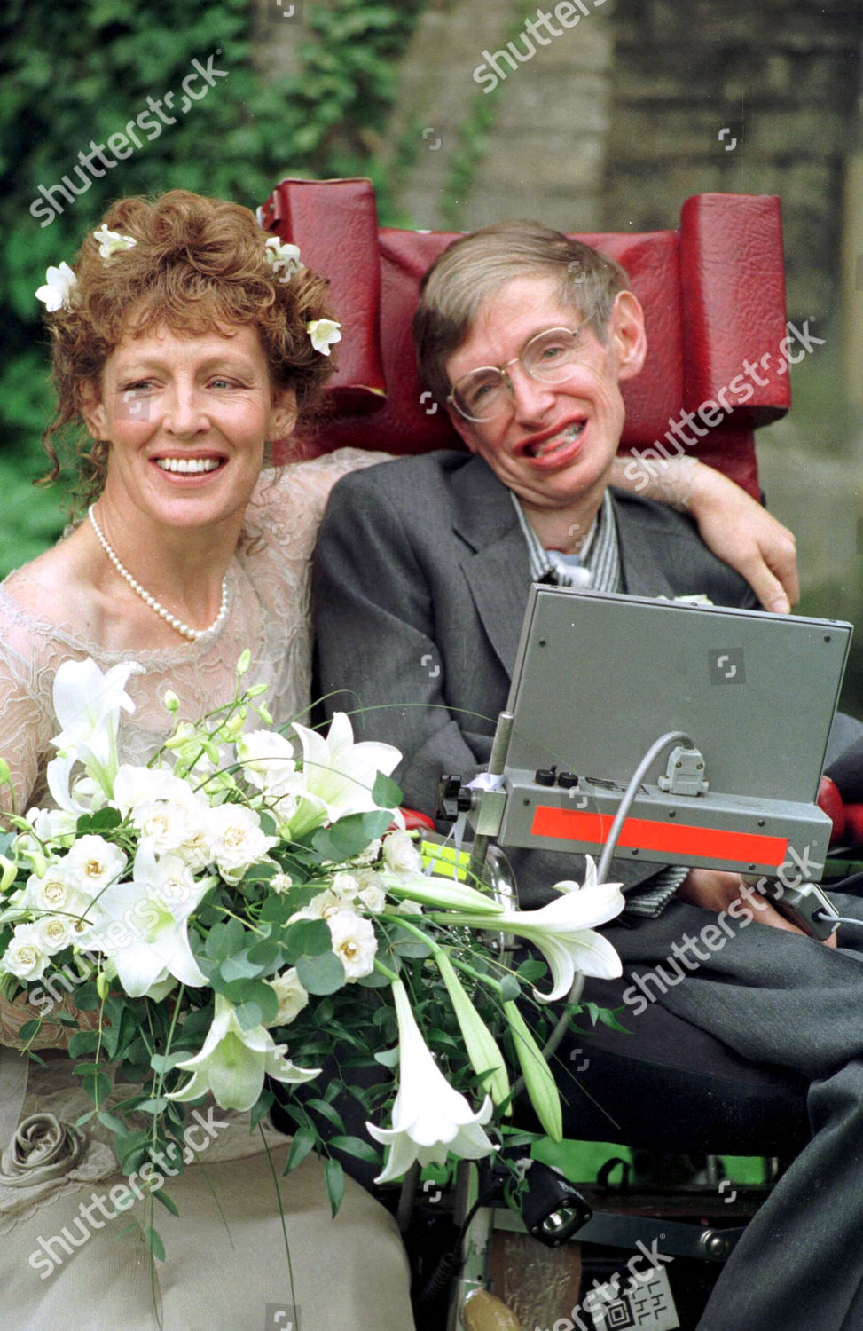Hawking was married stephen 7 Facts