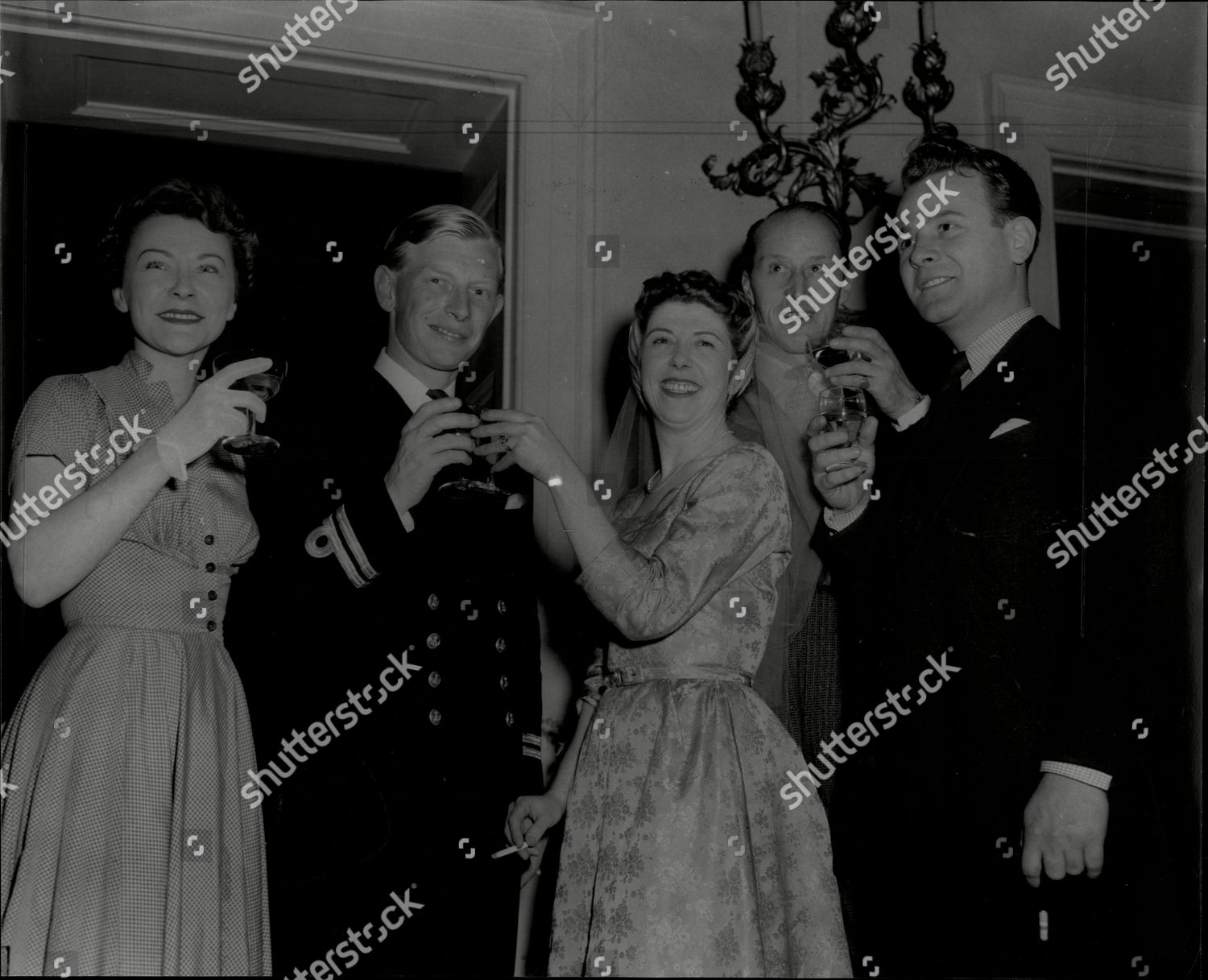 6e8616c3 ... Lieut Michael Charles R.n Left To Right Miss Thelma Hughes Sally The  Bride And The Bridegroom Producer Mr Archie Campbell And Derek Hart. Stock  Image by ...