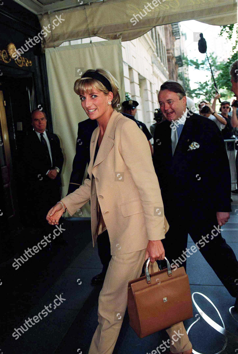 princess diana editorial stock photo stock image shutterstock https www shutterstock com editorial image editorial auction of princess dianas dresses at the carlyle hotel new york america jun 1997 275787q