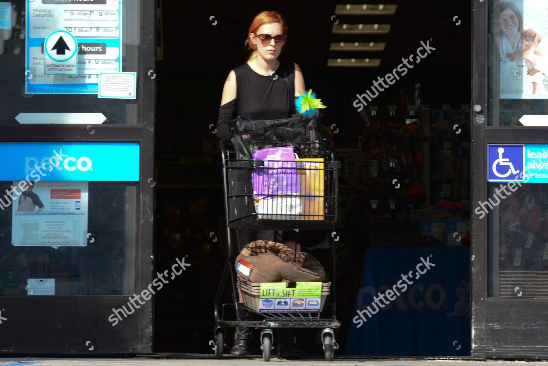 Rumer Willis Making Petco Run buying cat Editorial Stock Photo