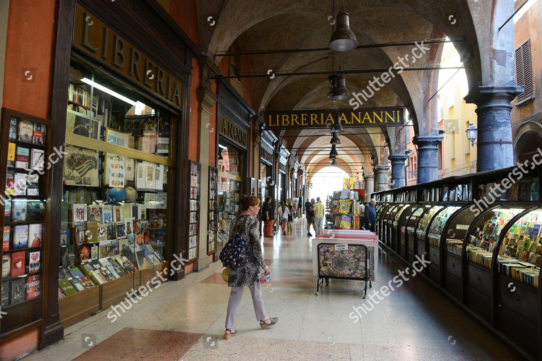 Books on sale Libreria Nanni Bologna Italy Redaktionelles Stockfoto ...