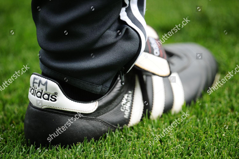 Dar una vuelta niebla apaciguar  initialled Adidas Copa Mundial boots Fulham manager Editorial Stock Photo -  Stock Image | Shutterstock