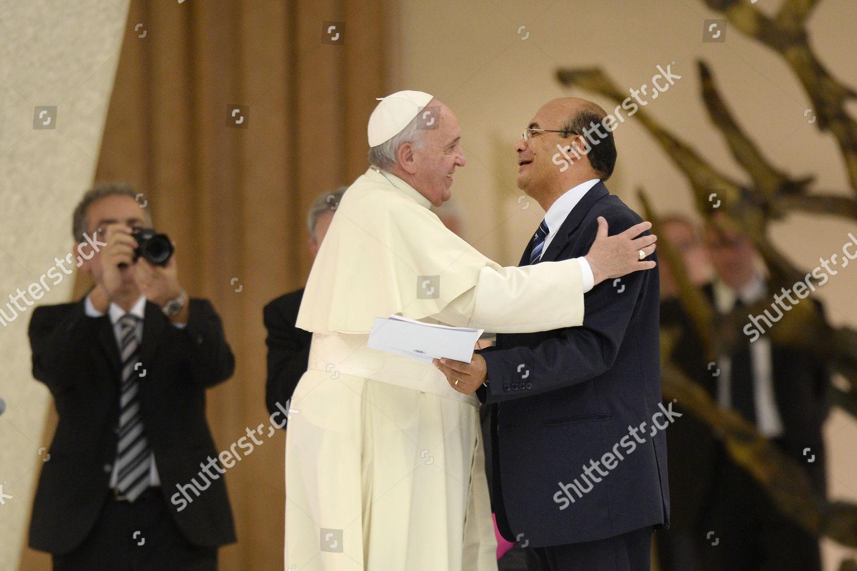 Pope Francis greets New President Catholic Fraternity