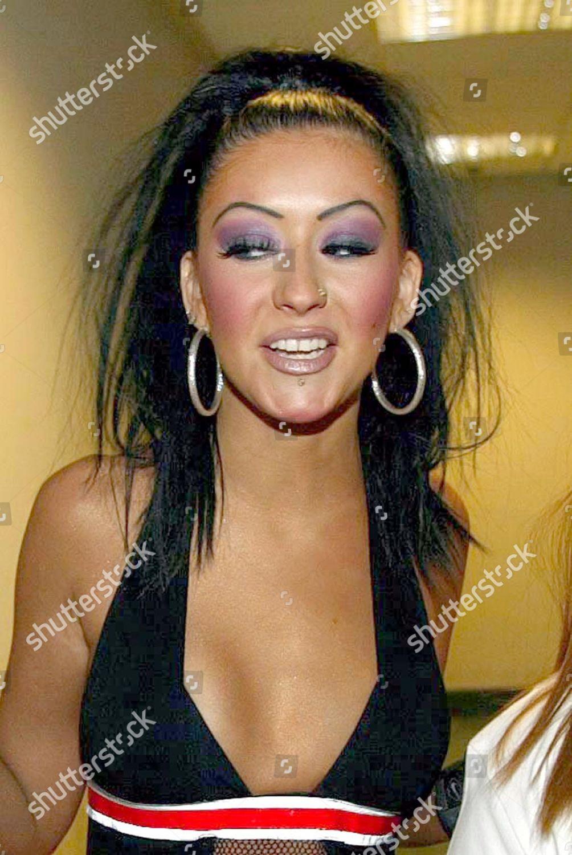 christina-aguilera-backstage-at-concert-in-glasgow-scotland-britain-shutterstock-editorial-434567b.jpg