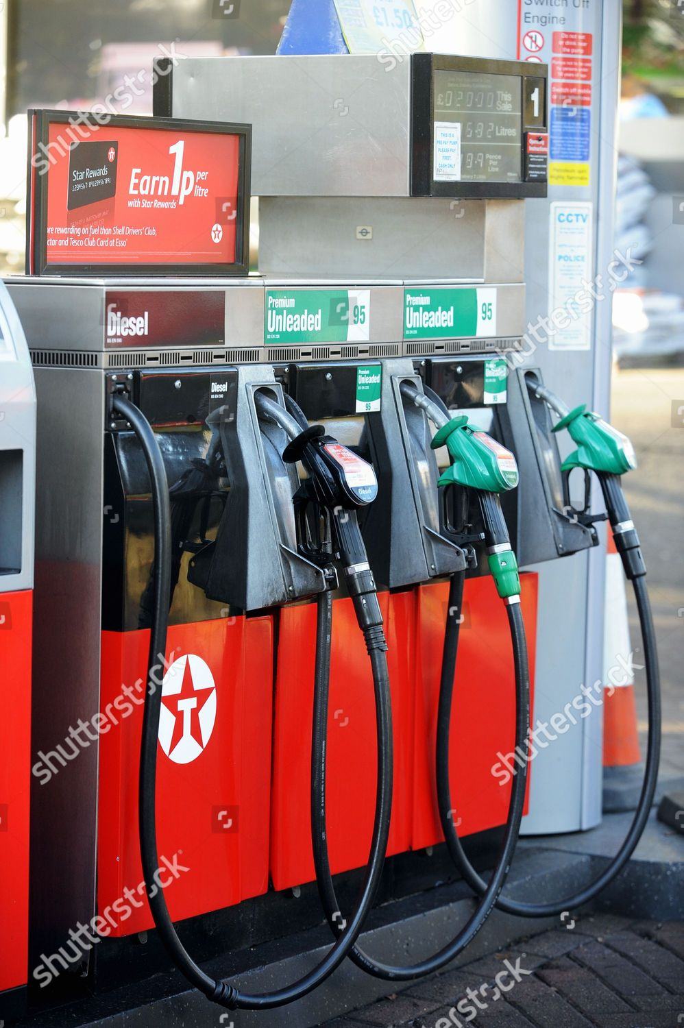 price fuel UK petrol stations continues drop Editorial Stock