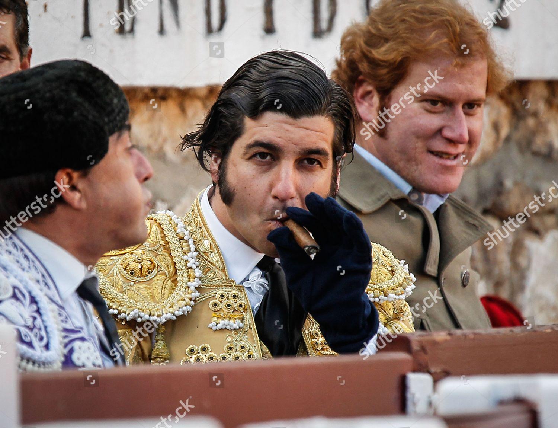 Una foto de Morante cada día - Página 7 Bullfighting-guadalajara-spain-shutterstock-editorial-4462088a