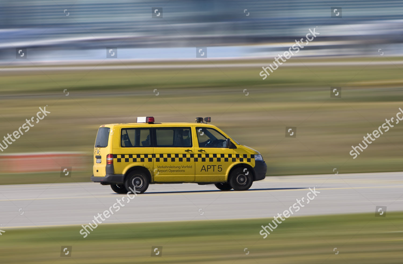 Verkehrsleitung Vorfeld Airport Operations Vehicle Driving Frankfurt Editorial Stock Photo Stock Image Shutterstock