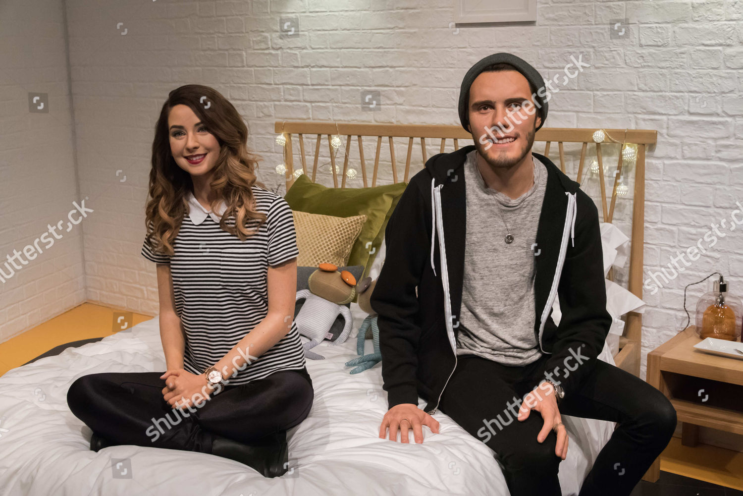 Pointlessblog and zoella dating announcement