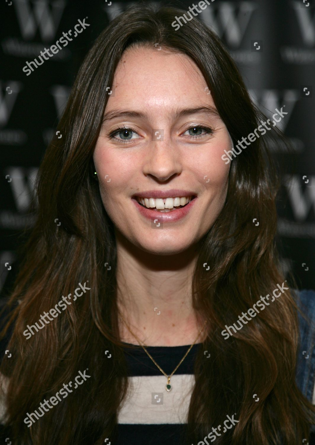 68eae19607158 Ella Woodward  Deliciously Ella Every Day  book signing at Waterstones