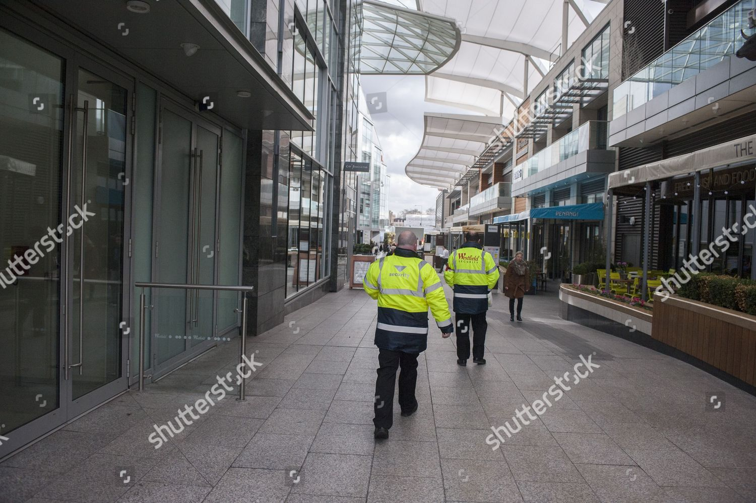 8e1955f1 Security Patrolling The Westfield Shopping Centre In West London Following  A Video From Somali Terror Group
