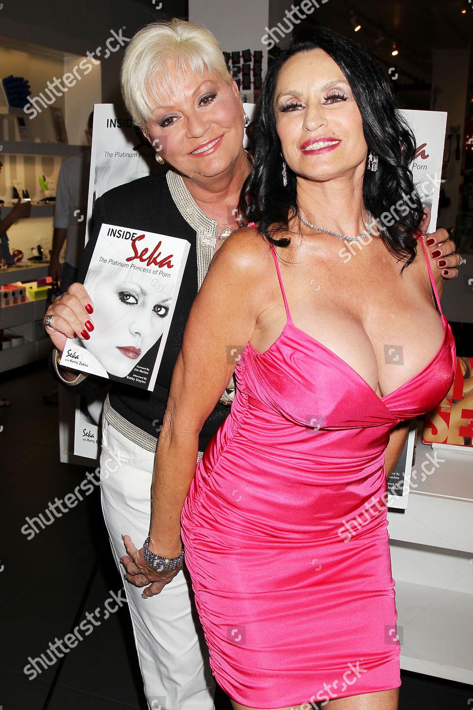 Rita Daniels Nude Photos 60