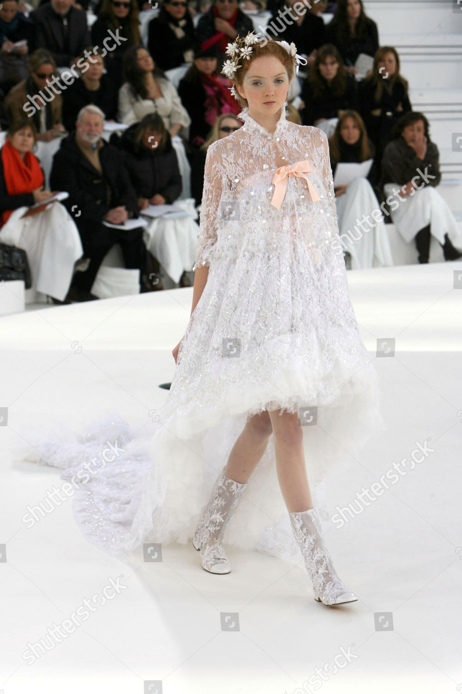 Lily Cole on catwalk Redaktionelles Stockfoto – Stockbild ...