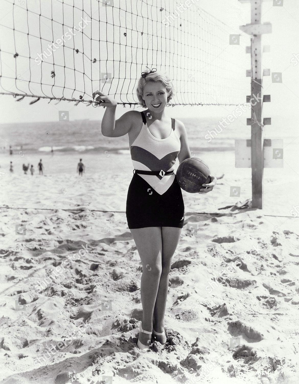 joan blondell height
