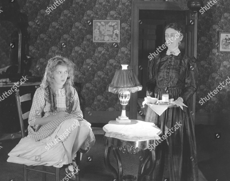 Forum on this topic: Robia LaMorte, linda-estrella-1926-012/