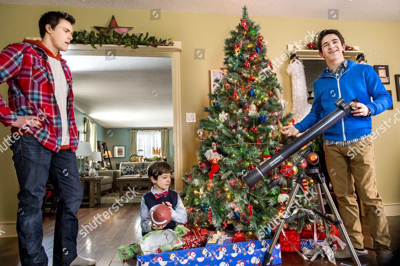 Petes Christmas.Wesley Morgan Peter Dacunha Zachary Gordon Editorial Stock