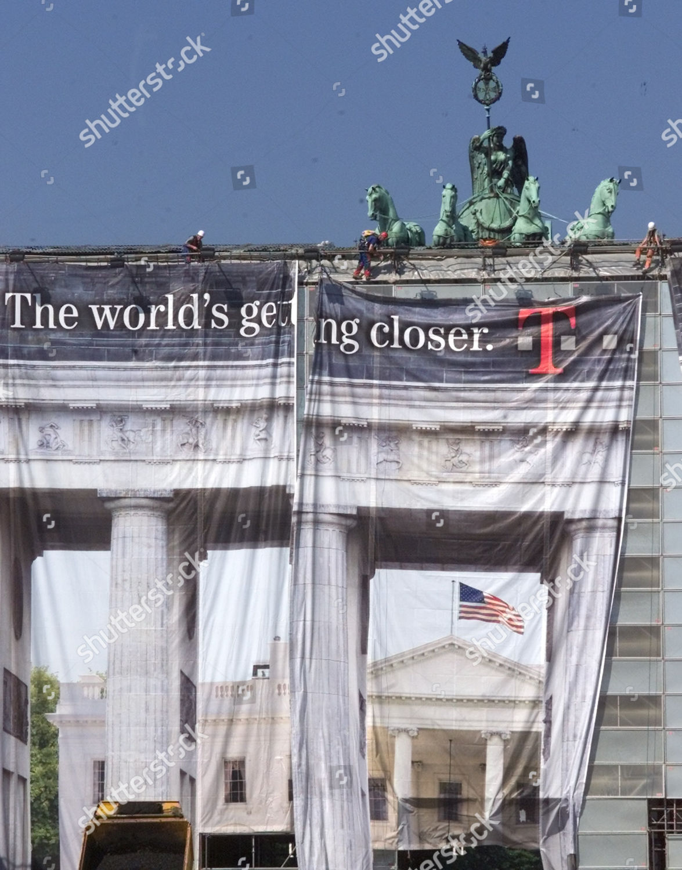 Brandenburger Tor German Capital World Famous Landmark Editorial Stock Photo Stock Image Shutterstock