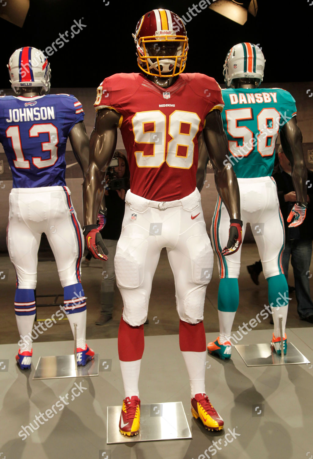 reputable site 08a4f a7d29 new Washington Redskins uniform displayed on mannequin ...