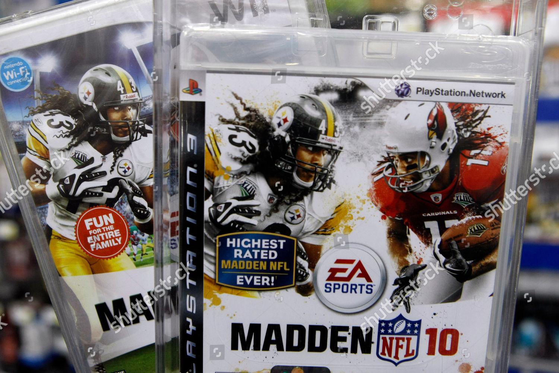 Wii PlayStation 3 versions Madden NFL 10 Editorial Stock