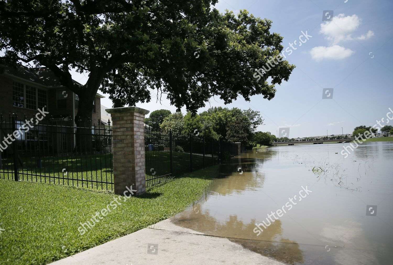 Rising flood waters Denton Creek cover walking Editorial