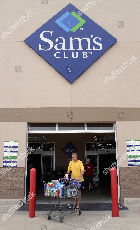 shopper leaves Sams Club store Rogers Ark Editorial Stock