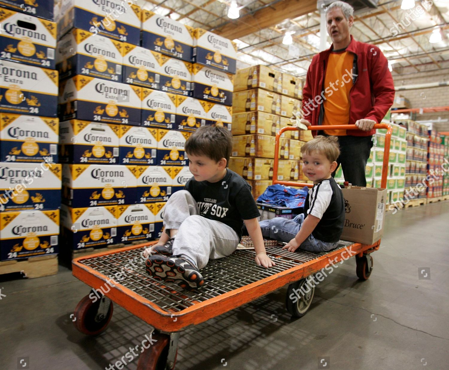 Consumers Shop Inside Costco Mountain View Calif Editorial Stock