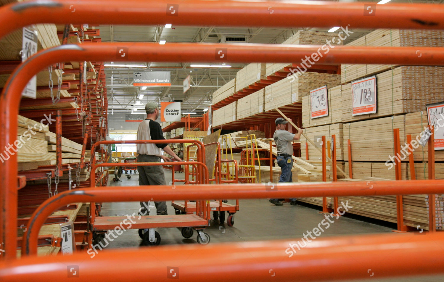 Little Rock Ark customers select lumber Home Editorial Stock
