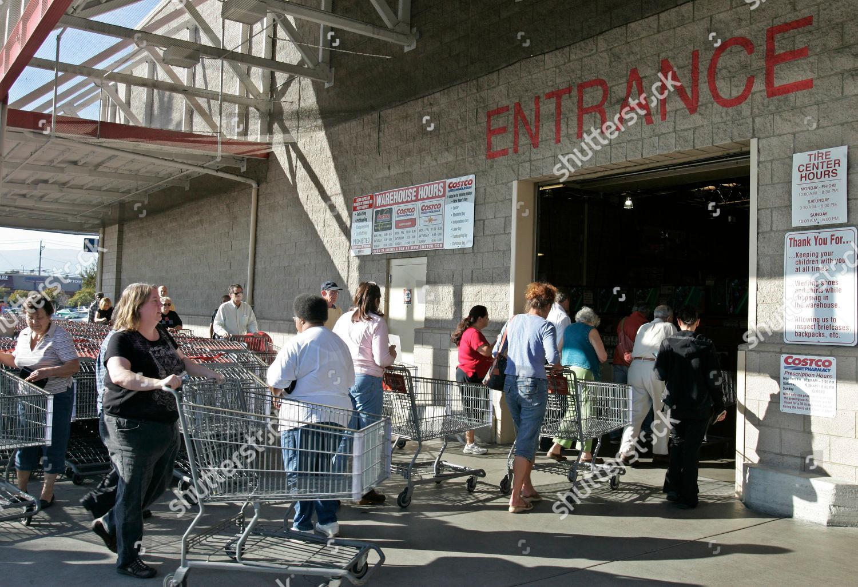 Costco Costco Shoppers Wait Line Enter Costco Editorial Stock Photo