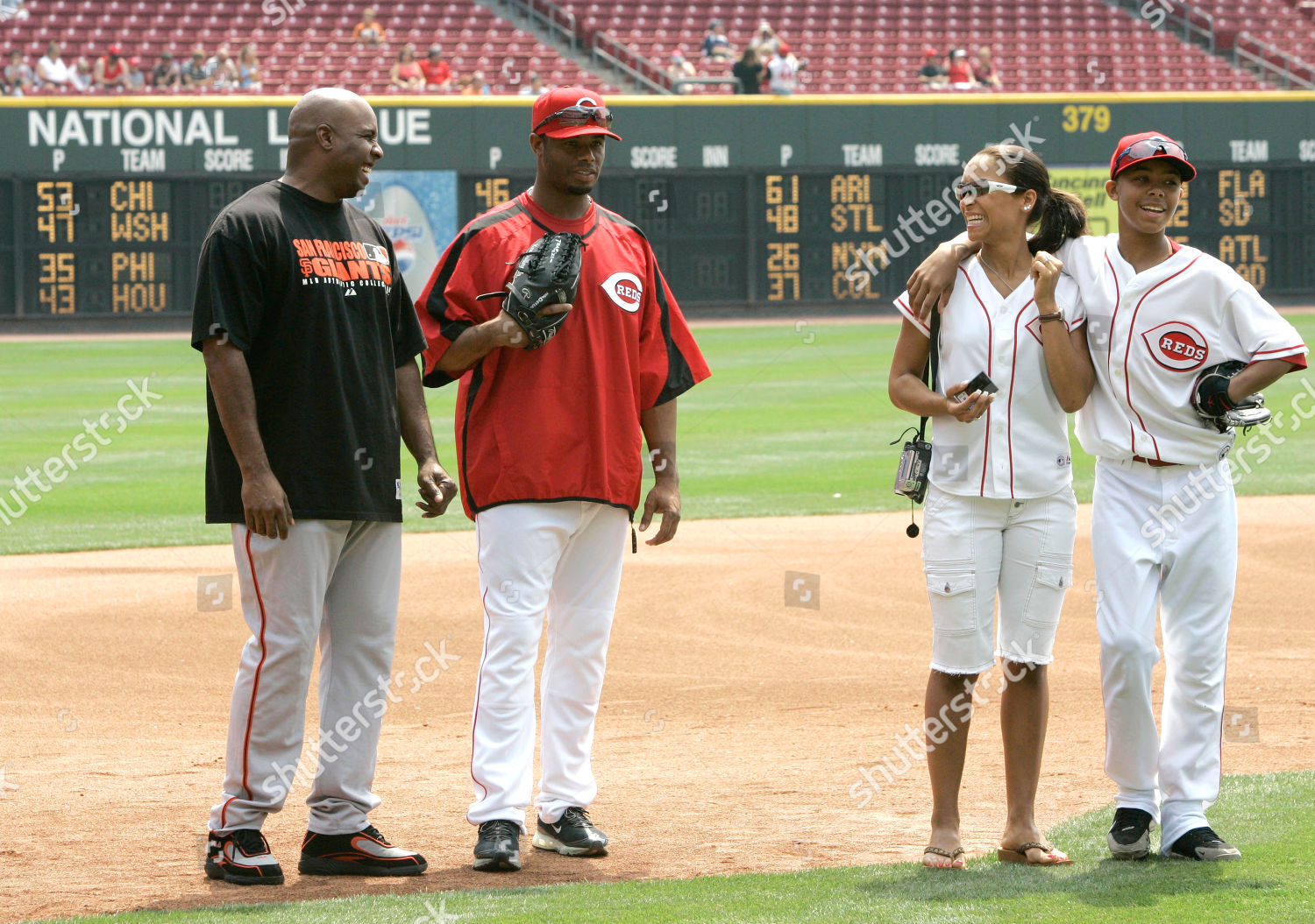 bb8e83cce1 Barry Bonds Ken Griffey Jr Melissa Griffey Editorial Stock Photo ...
