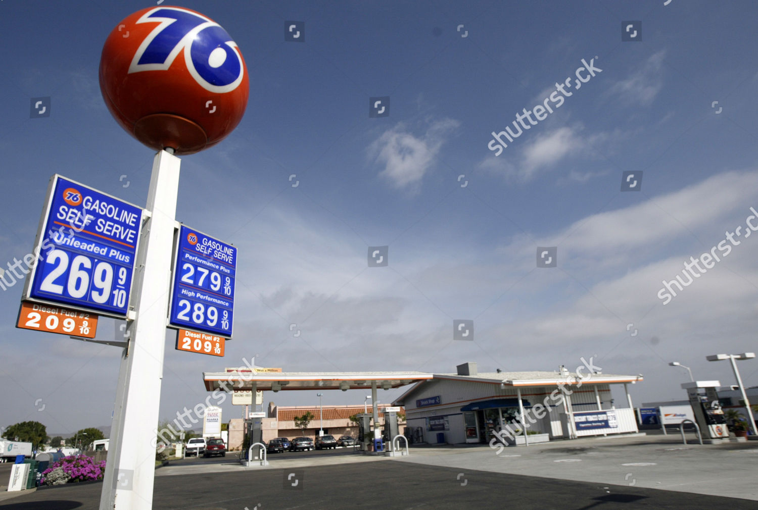 Gas Prices San Diego >> Business Sparse Union 76 Gas Station San Editorial Stock Photo