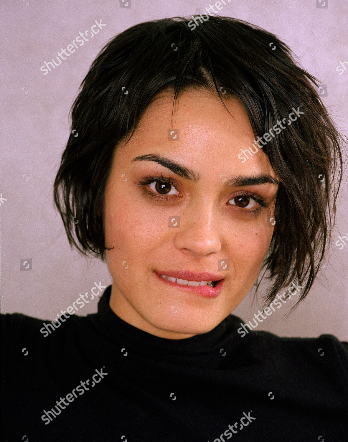 Wkd Fiveqs Shannyn Sossamon New York Usa Stock Image By Jim Cooper For Editorial Use Feb 9 2002