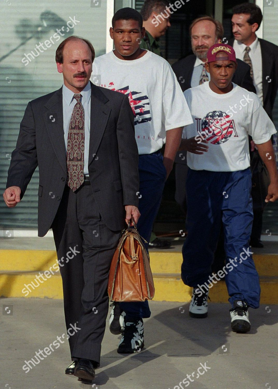CASAMAYOR GARBEY Former Cuban Olympic team boxers Editorial