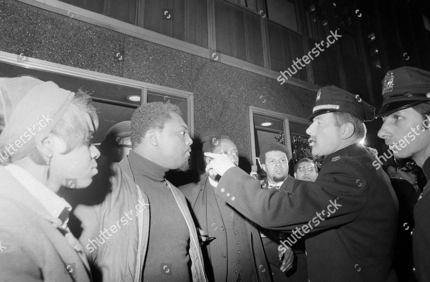 Editorial Education Is Civil Right >> Policeman Orders Group 50 Other Black Puerto Editorial Stock Photo