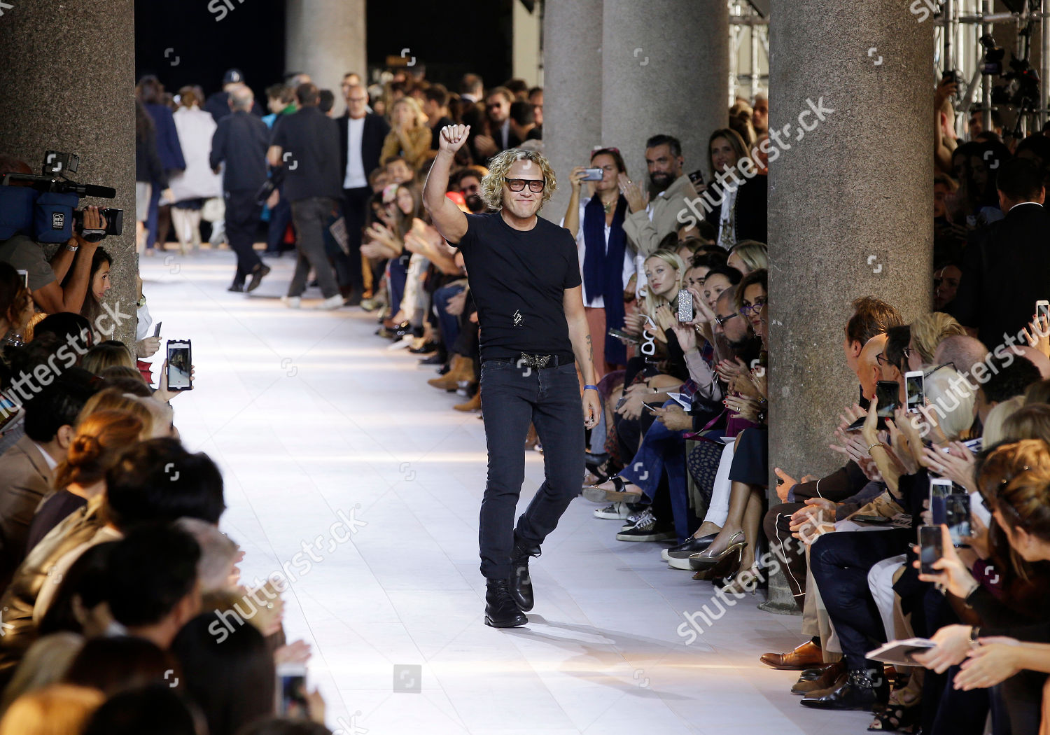 Fashion Designer Peter Dundas Acknowledges Applause After Editorial Stock Photo Stock Image Shutterstock