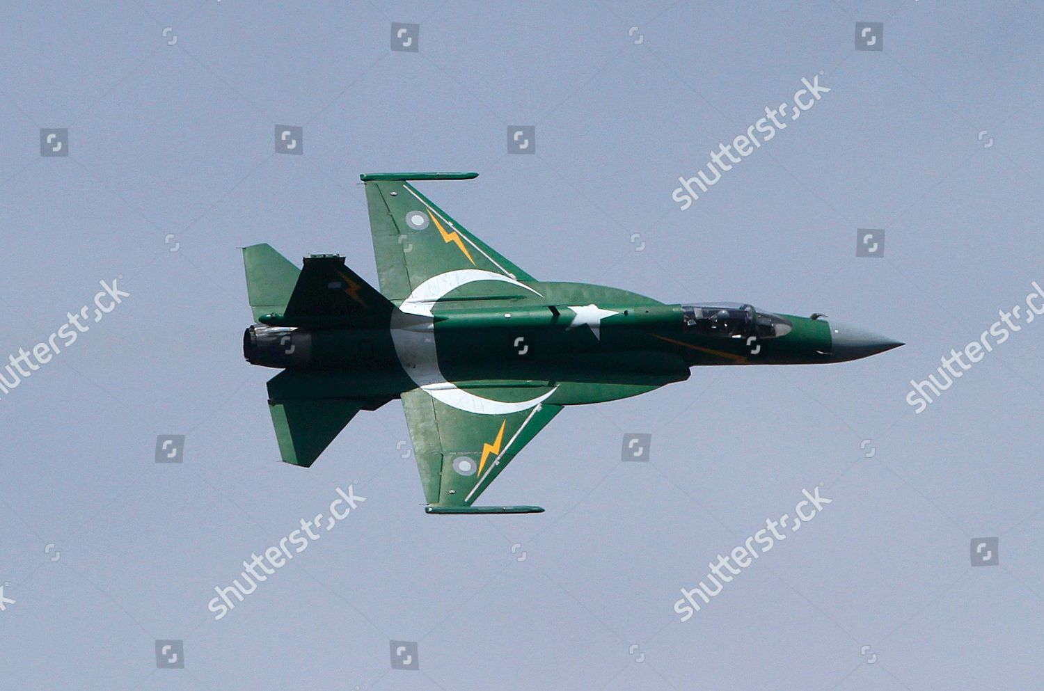 Pakistani JF17 fighter aircraft flies formation during