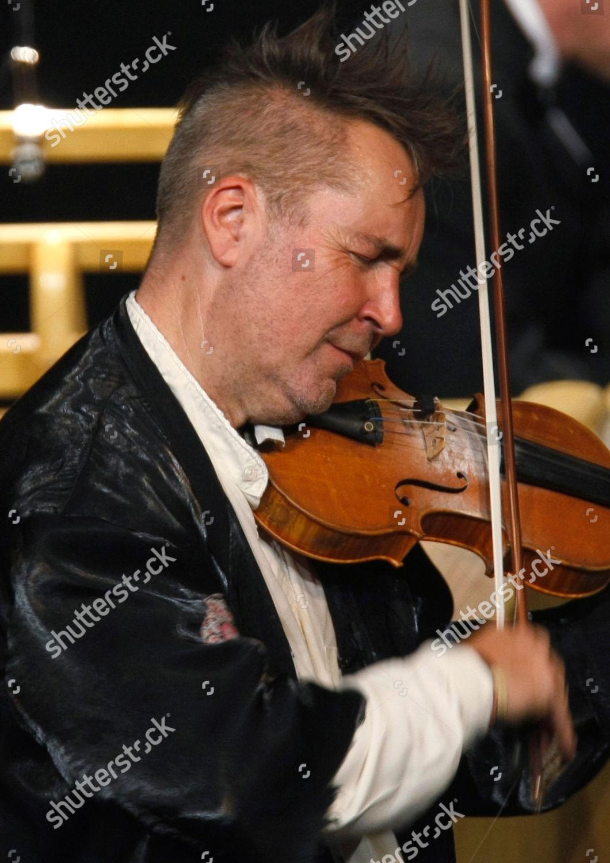 Nigel Kennedy Violinist Nigel Kennedy performs Palais Editorial
