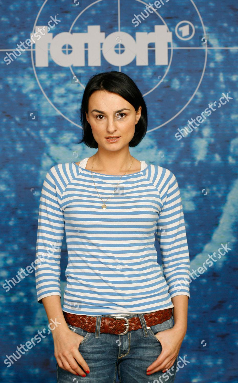 Miranda Leonhardt Nude Photos 29