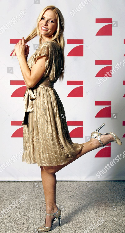 In high heels moderatorinnen Tv upskirt