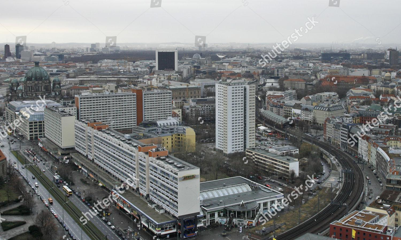 Blick Auf Plattenbauten Alexanderplatz Im Stadtteil Mitte Editorial Stock Photo Stock Image Shutterstock