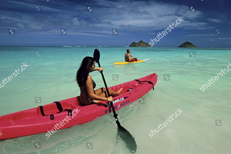 Kayaking along beautiful Lanikai Beach Mokulua Islands