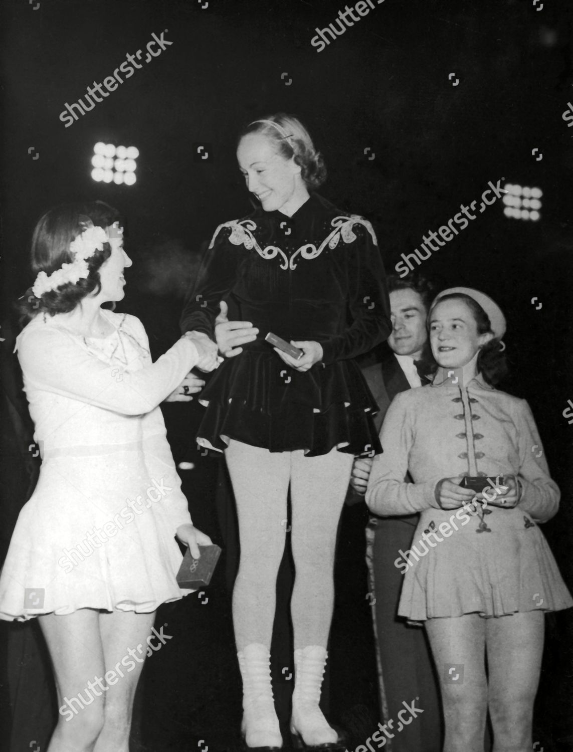 e9d693a9b81 winners presented their medals Pair Figure Skating Editorial Stock ...