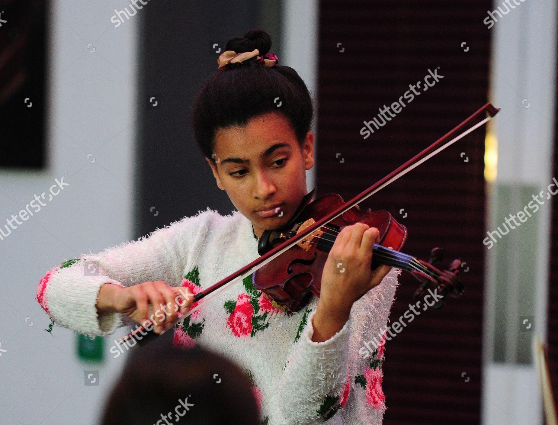 Elodie Chousmerhowelles 16 Plays Violin Solo Nicola