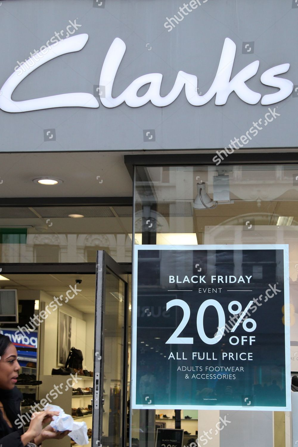 pintar Buena voluntad enjuague  Clarks store Wood Green gets ready Black Editorial Stock Photo - Stock  Image | Shutterstock