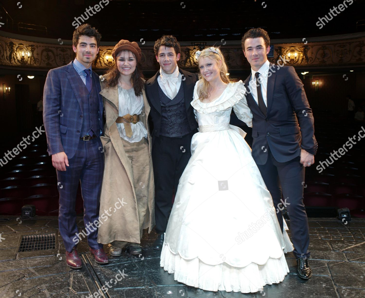 Cast Change First Night Les Miserables Queens Editorial
