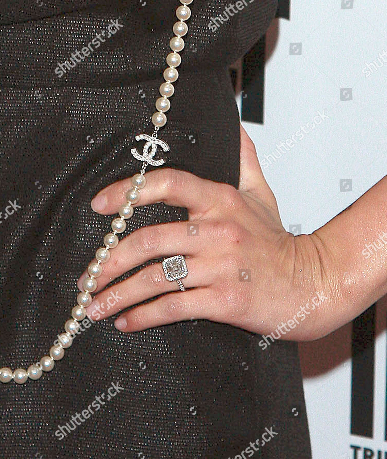 bfa3f33340552 Ashlee Simpsons engagement ring chanel necklace Editorial Stock ...
