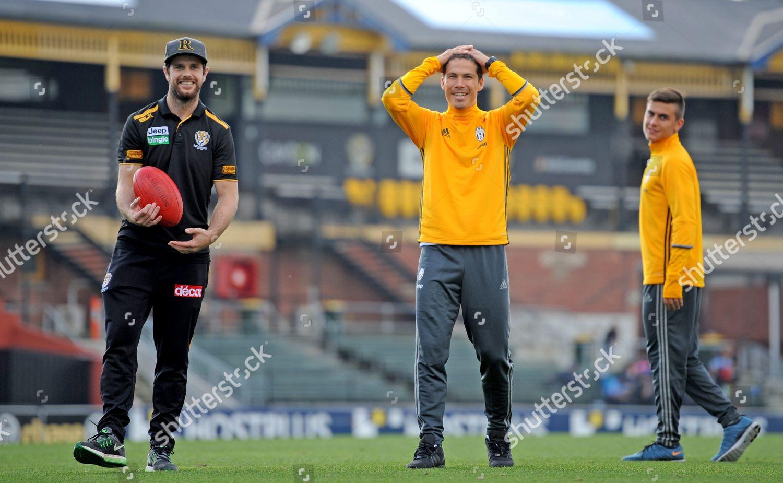 Juventus Players Paulo Dybala r Hernanes c Foto editorial en